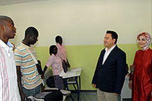 Babacan, Senegal'de Türk okulunu ziyaret etti.12167