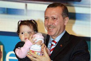 Erdoğan'dan NTV muhabirine çocuk önerisi.12858