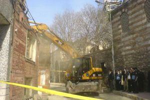 Belediyenin yıktığı binadan sesler geliyor!.15202