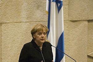 Merkel, İsrail'de protesto edildi.12030
