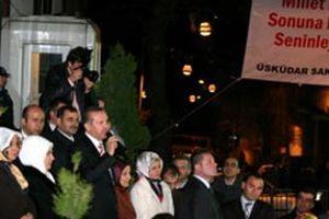 Erdoğan'a bir sürpriz de evinin önünde.12622