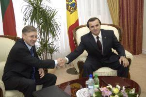 Moldova Başbakanı istifa etti.27753