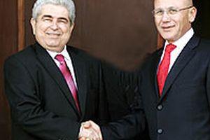 Ada Liderleri el sıkıştı; işte Kıbrıs'ta yeni çözüm takvimi.9879