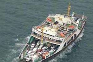 Çanakkale'de deniz ulaşımı normale döndü.13013