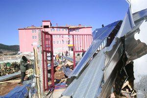 Iğdır'da 30 evin çatısı uçtu.31275