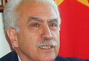 Mehmet Eym�r, Do�u Perin�ek'e tazminat davas� a�t�.11570