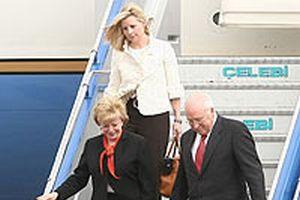 Cheney'in ailesi halı pazarlığı yaptı.12714