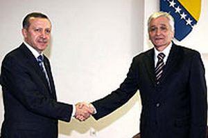 Erdoğan'a karşılama: AK Parti'ye uzanan eller kırılsın.10687