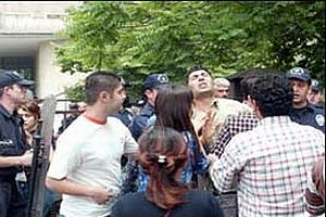 Ankara Üniversitesi'nde kavga: 4'ü polis 5 yaralı.20841