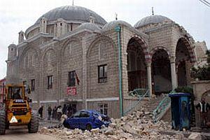 Konya'da minare evin üzerine yıkıldı.16879