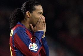 Ronaldinho sezonu kapadı.8583