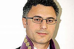 Raportör Osman Can üniversiteden atıldı.11430
