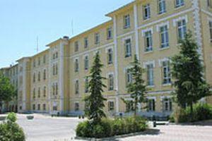 İstanbul'da 3 meslek liseli öğrenci YÖK'e dava açtı.13596