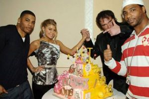 Fergie ve Tarantino beraber yaşgünü kutladı.14947
