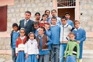 PKK'ya inat, okul yeniden a��ld�.15982