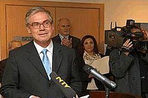 Alman Büyükelçisi: Türban kararı iç sorun.14990