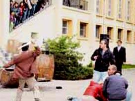 Öğrenciler arasında bıçaklı kavga.13645