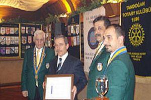 Rotary Kulübü, Vakit muhabirine tuzak kurdu ancak....17132