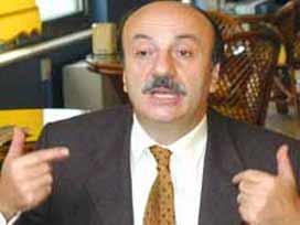 Bekaroğlu: AK Parti'ye kapatma süreci Baykal'ı da götürecek.6955