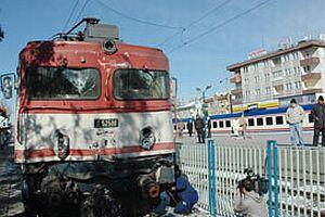 Akaryakıt kaçağı tren seferlerini durdurdu.19533