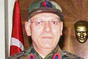 Albay Ali Öz, arka kapıdan çıktı.13101