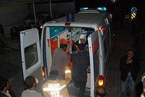 DTP'nin minibüsü devrildi: 20 yaralı.22749