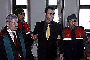 DTP'li Demirtaş mahkemede muayene edildi.14911