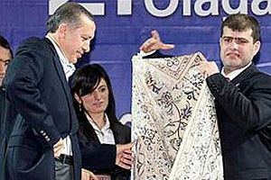 Başbakan Erdoğan neden cebinde çakı taşıyor?.20128