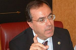 AKP'nin gözü gibi koruduğu CHP'li.10387