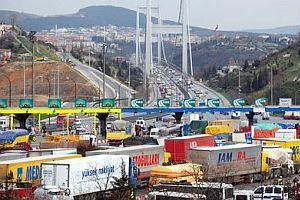 Atatürk Köprüsü bu gece trafiğe kapalı.23765