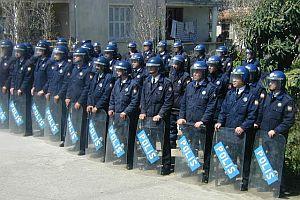 Batman'da polisle halk kaynaşması.30222