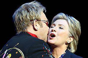 Elton John, Hillary'yi destekliyor.15438