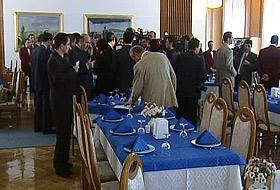Meclis lokantasının mönüsünde 'Kürtçe' isimli yemek.29067