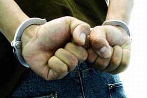Bayrağa saldıran DTP'liler tutuklandı.12201