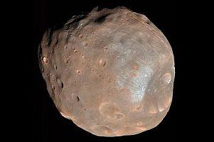 Mars'ın en büyük uydusu fotoğraflandı.8665