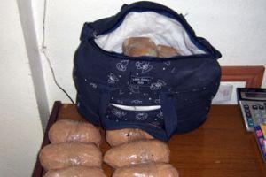 Minibüsten 28 kilogram eroin çıktı.11523