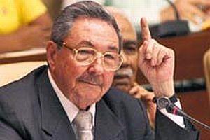 Raul Castro: Obama iyi birine benziyor.12884