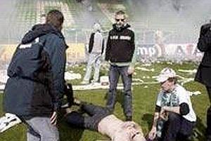 Hollanda'da futbol terörü.16456