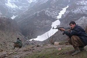 Teröristler köy muhtarını öldürdü.46914