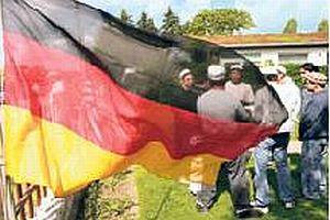 Alman gençleri ülkedeki yabancı sayısını çok buldu.18031