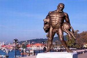 Zonguldak'ta Herkül heykeli imha edildi.13792