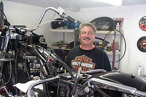Harley Davidson'da yaprak dökümü.21375