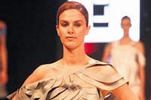 İstanbul Deri Moda Fuarı'nda genç tasarımcılar yarıştı.10641