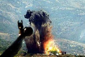 Türk topçuları Kuzey Irak'ı bombalıyor.14395