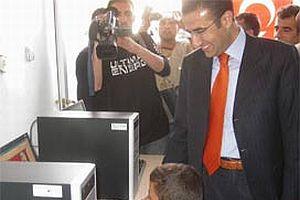 Irak sınırına internet kafe açıldı.12705