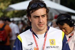 Alonso Ferrari yolunda.13493
