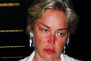 Sharon Stone'un yüzü tanınmaz halde.11114