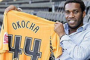 Okocha futbolu b�rak�yor.20339