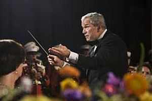 Bush orkestra yönetirse.9815