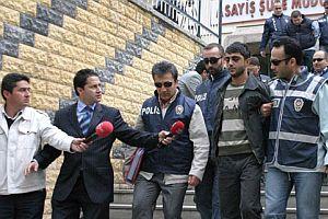 Polisin yaptığı operasyonlarda 38 kişi yakalandı.23255